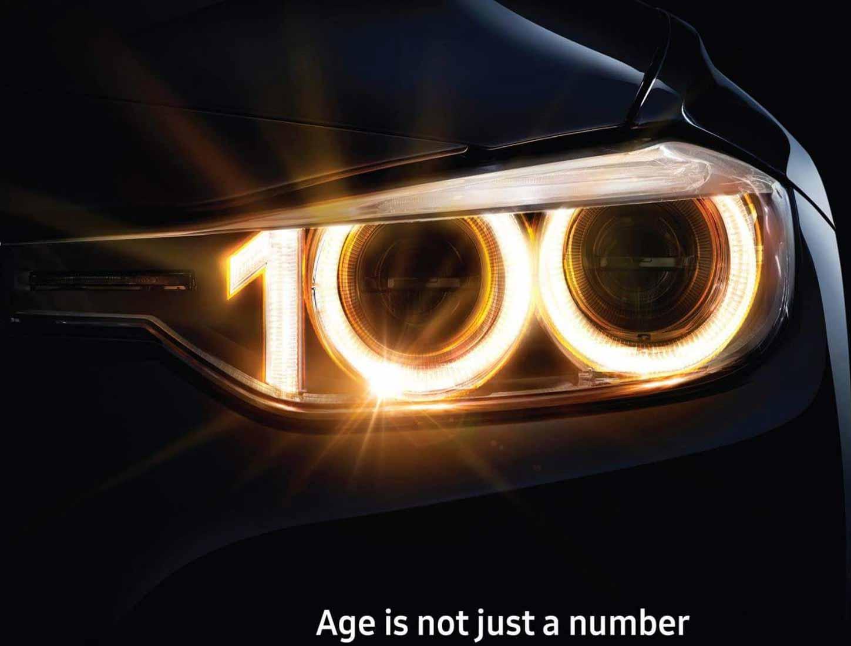 استفاده از اعداد در تبلیغات - شعار تبلیغاتی 100 ساله bmw