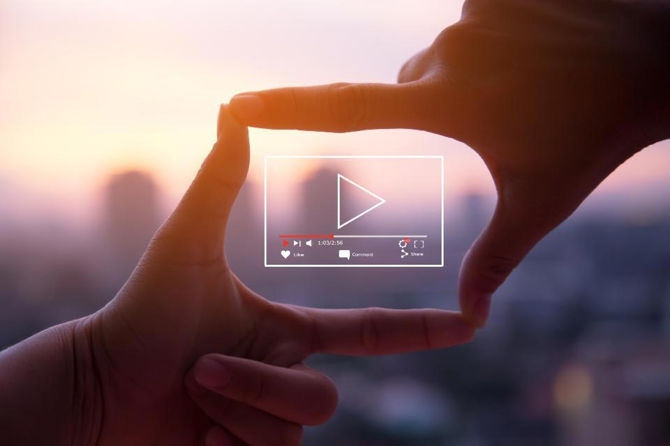 ویدیو های مربوط به برند - انواع روش های ویدیو مارکتینگ یا بازاریابی ویدیویی
